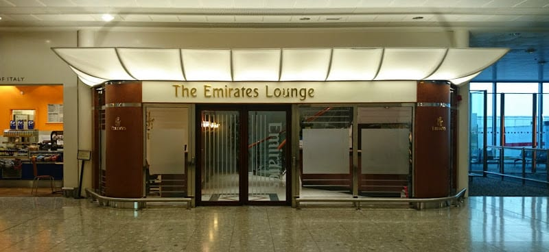 emirates first class lounge entrance lhr