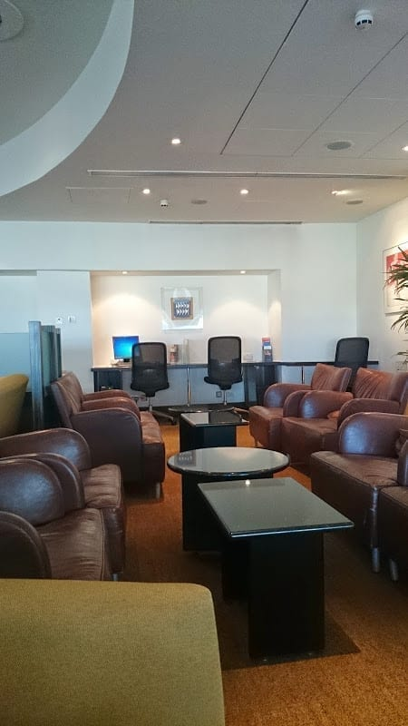 old sq f lhr - REVIEW - Singapore Airlines: First Class Lounge, London Heathrow T3