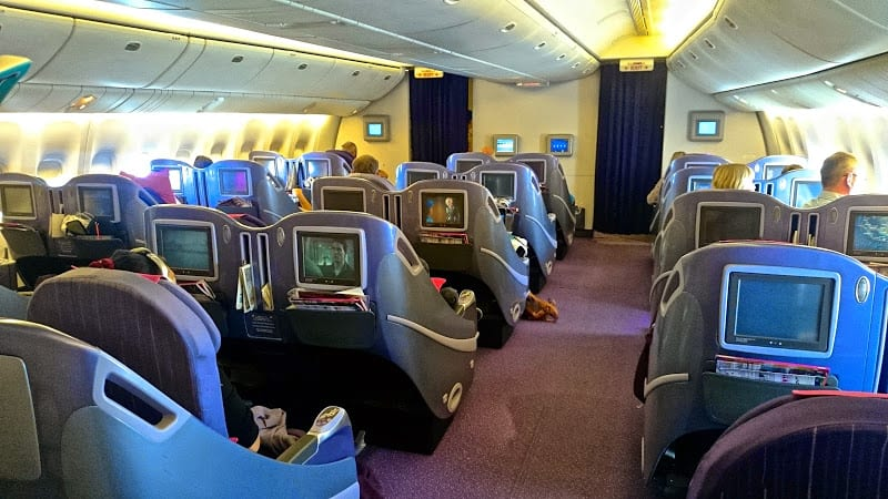 tg 772 wide aisles - REVIEW - Thai Airways : Business Class - Bangkok to Bali Denpasar (B772)