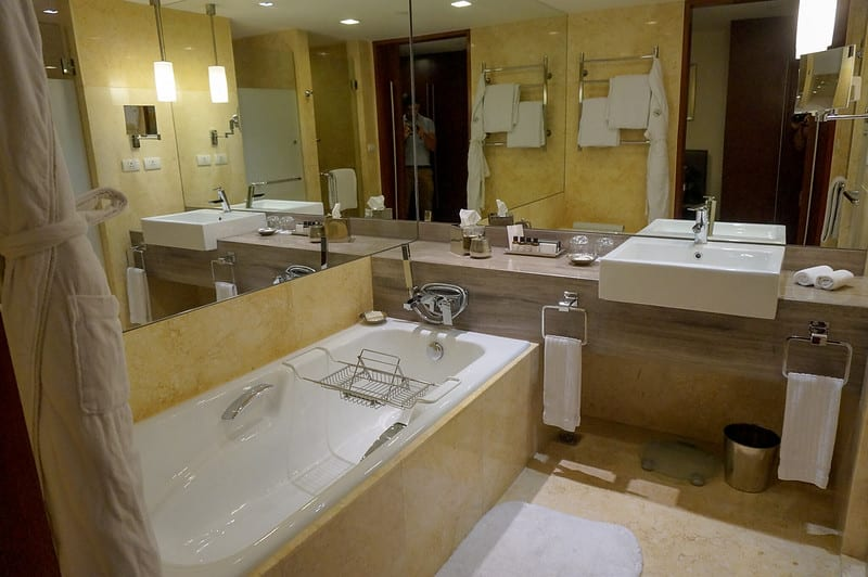 25609969852 8aaed1afe1 c - REVIEW - Fairmont Manila (Gold Room)