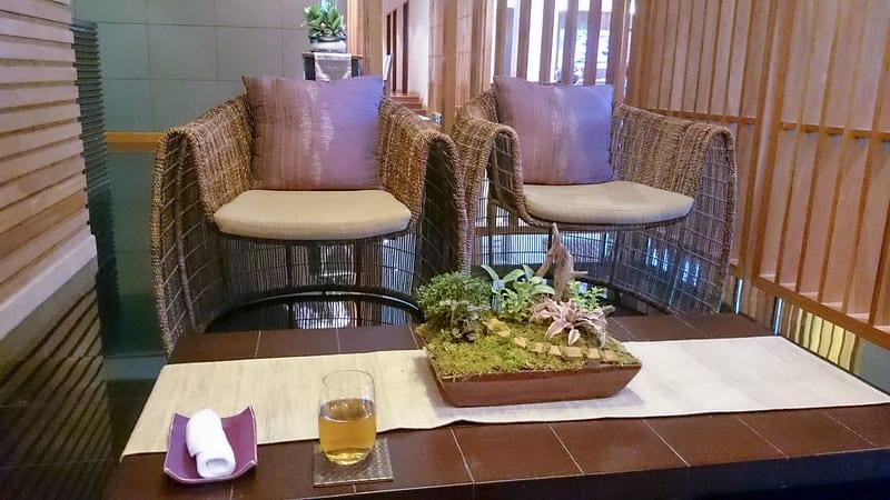 25722670606 3e3a404289 c - REVIEW - Thai Airways : Royal First Lounge, Bangkok