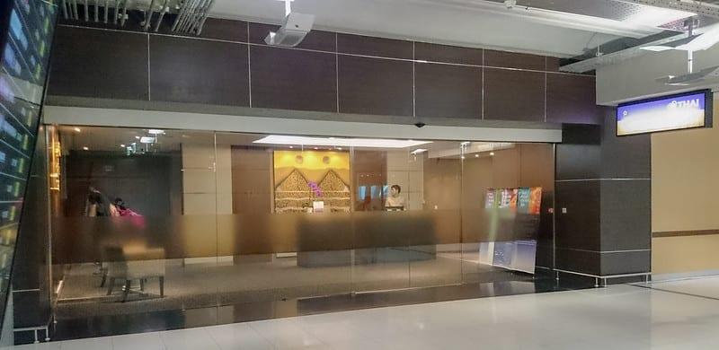 25722701936 b752cfd2f3 c - REVIEW - Thai Airways : Royal First Lounge, Bangkok