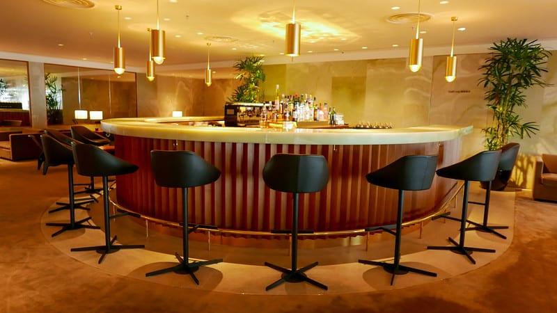 pier first class lounge bar