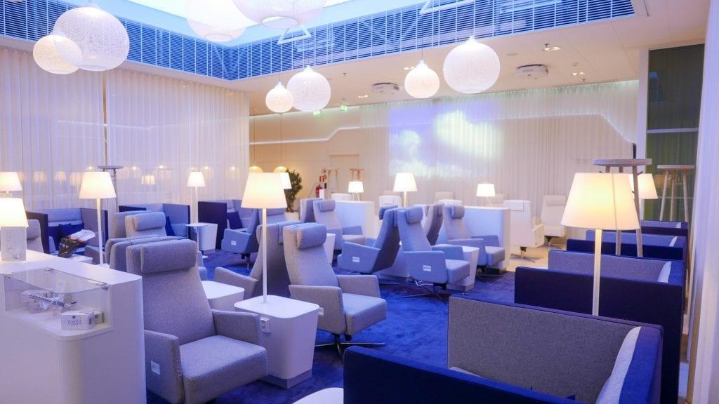 finnair lounge HEL