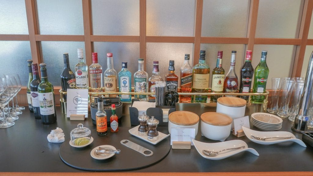 New CX Lounges T3 27 1024x576 - REVIEW - Cathay Pacific : First Class Lounge, London Heathrow T3 (post-refurb)