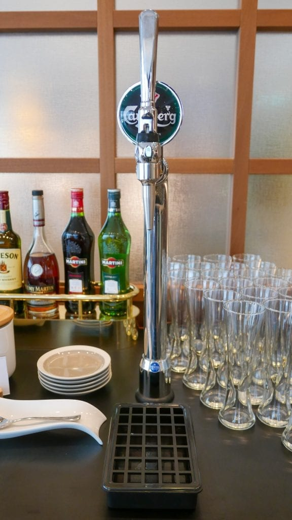 New CX Lounges T3 31 576x1024 - REVIEW - Cathay Pacific : First Class Lounge, London Heathrow T3 (post-refurb)