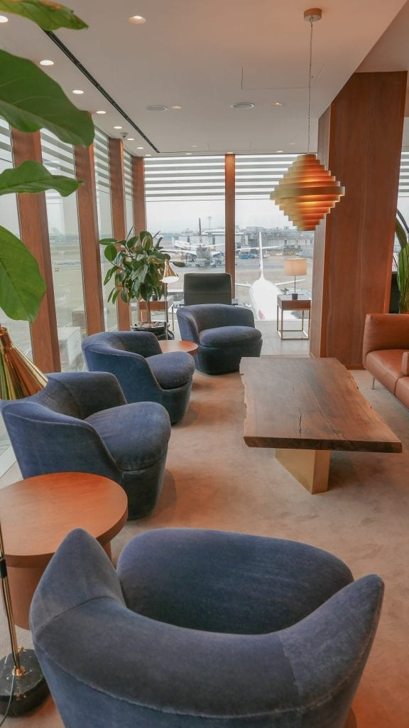 New CX Lounges T3 37 576x1024 - REVIEW - Cathay Pacific : First Class Lounge, London Heathrow T3 (post-refurb)