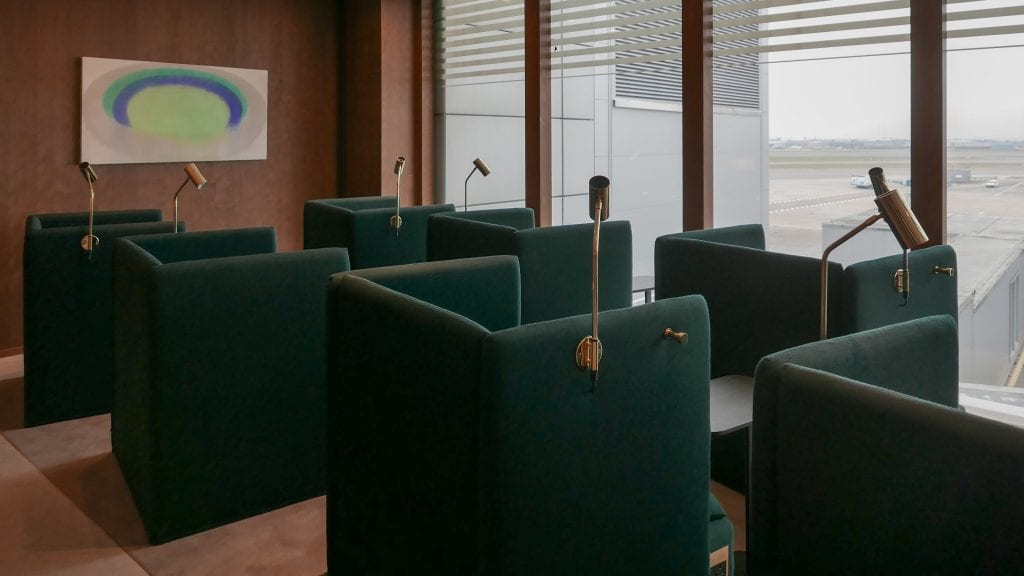 New CX Lounges T3 83 1024x576 - REVIEW - Cathay Pacific : Business Class Lounge, London Heathrow T3 (post-refurb)