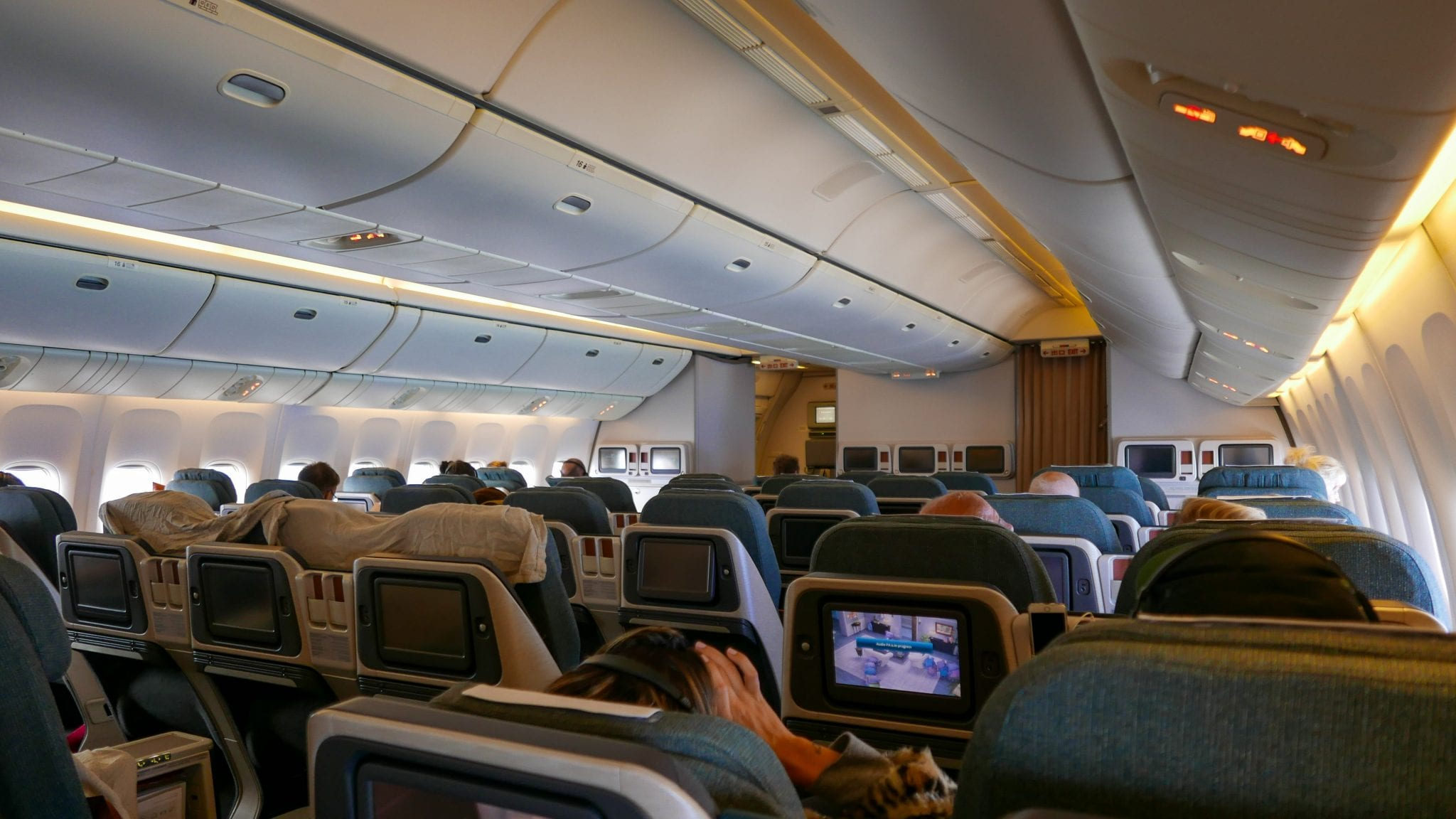 12Cathay Pacific home 9 - REVIEW - Cathay Pacific : Business Class - Bali to Hong Kong (B772)