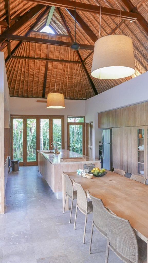 7Ubud Villa Kerasan 1 576x1024 - REVIEW - Villa Kerasan, Ubud (AirBnB)