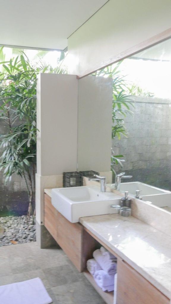7Ubud Villa Kerasan 12 576x1024 - REVIEW - Villa Kerasan, Ubud (AirBnB)