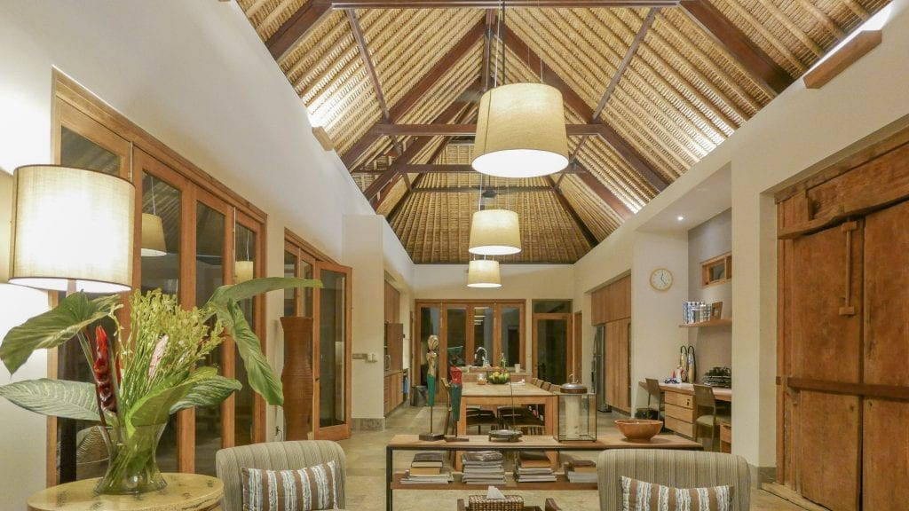 7Ubud Villa Kerasan 2 1024x576 - REVIEW - Villa Kerasan, Ubud (AirBnB)