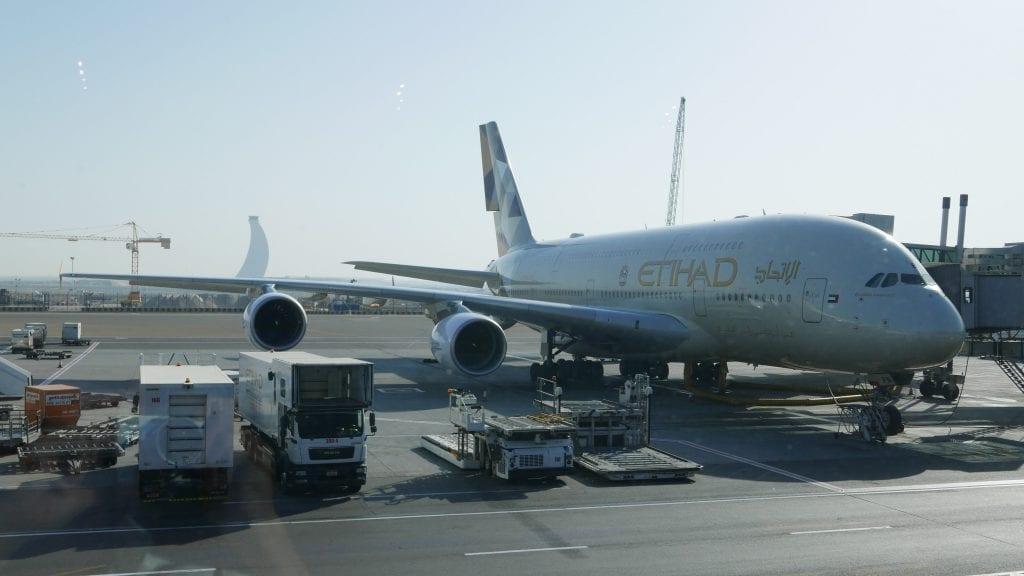 EY J Lounge 1 1024x576 - REVIEW - Etihad Airways : Premium Lounge, AUH T3