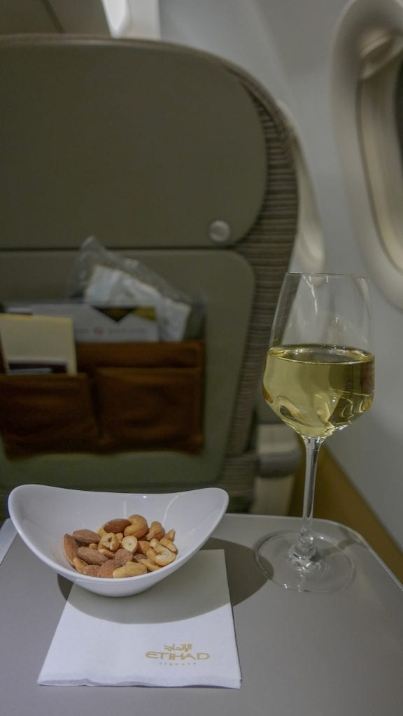EY A320 return 1 576x1024 - REVIEW - Etihad Airways : Business Class (Regional) - Malé to Abu Dhabi (A320)