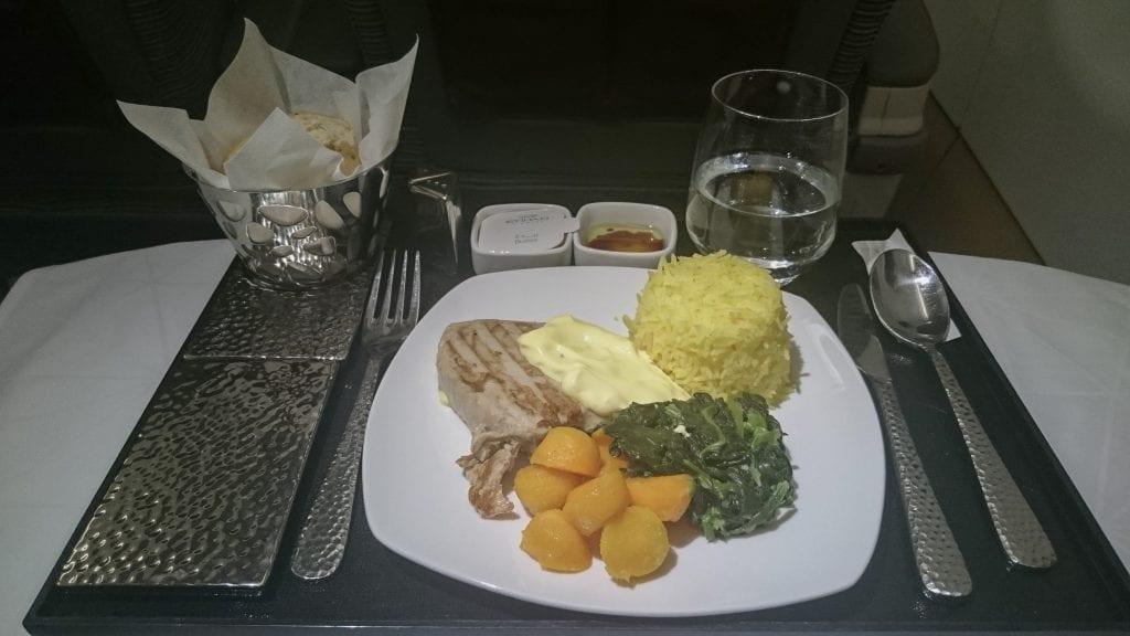 EY A320 return 3 1024x576 - REVIEW - Etihad Airways : Business Class (Regional) - Malé to Abu Dhabi (A320)