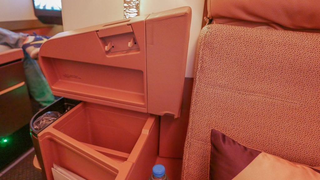 EY A380 business class 14 1024x576 - REVIEW - Etihad Airways : Business Class - Abu Dhabi to London (A380)