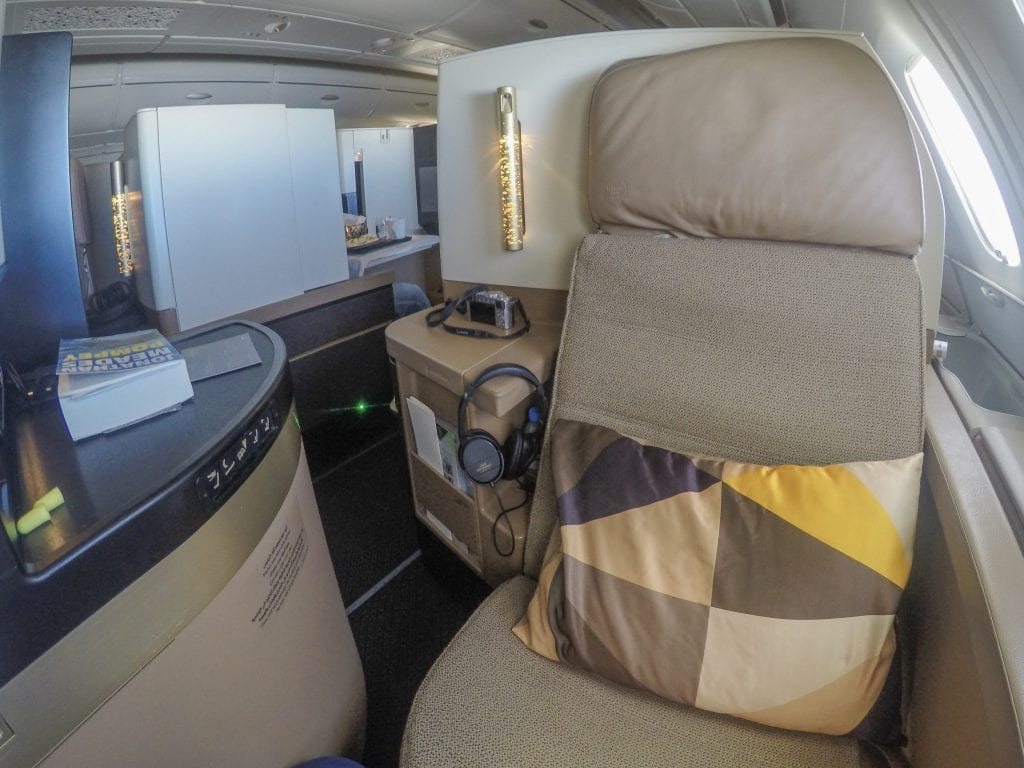 EY A380 business class 3 1024x768 - REVIEW - Etihad Airways : Business Class - Abu Dhabi to London (A380)