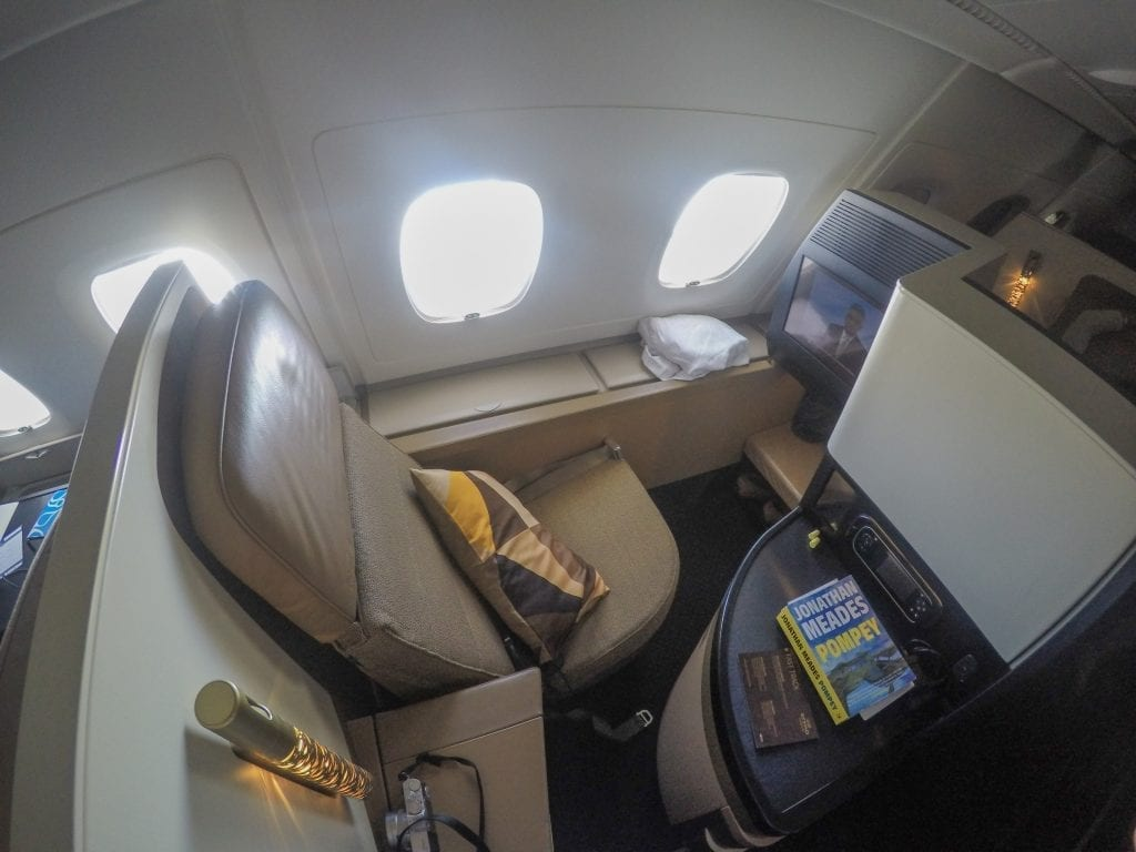 EY A380 business class 4 1024x768 - REVIEW - Etihad Airways : Business Class - Abu Dhabi to London (A380)