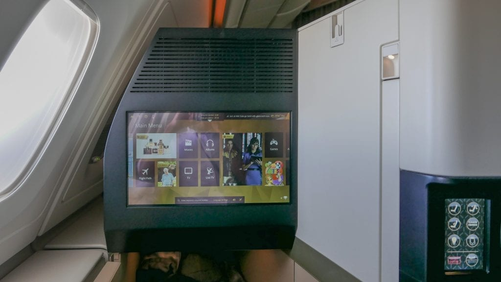 EY A380 business class 6 1024x576 - REVIEW - Etihad Airways : Business Class - Abu Dhabi to London (A380)