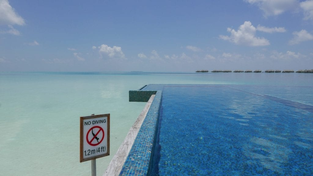 FB Quiet Zone 5 1024x576 - GUIDE - Eating and Drinking at the Conrad Maldives