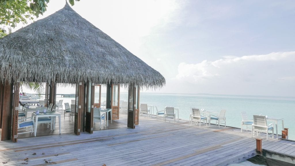 FB Vilu 1 1024x576 - GUIDE - Eating and Drinking at the Conrad Maldives