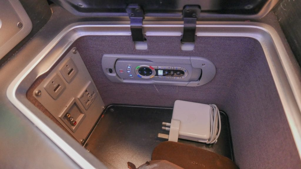BA A380 F 6 1024x576 - REVIEW - British Airways : First Class - London to Miami (A380)