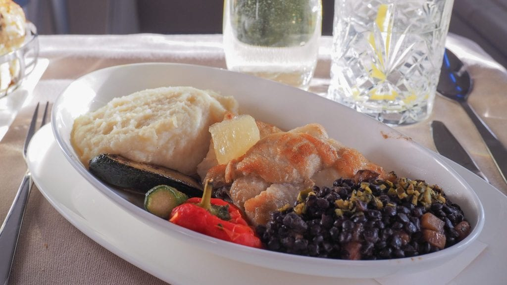 64A new catering BA 747 31 1 e1514928232369 1024x576 - REVIEW - British Airways : Updated Club World Service - London to New York JFK (B747 Upper Deck)