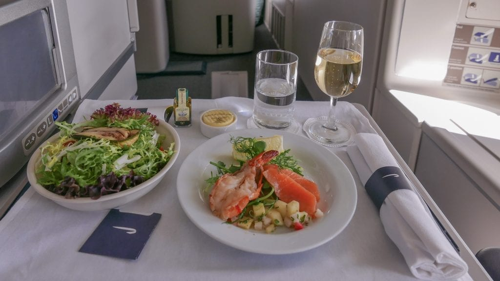 64A new catering BA 747 37 1024x576 - REVIEW - British Airways : Updated Club World Service - London to New York JFK (B747 Upper Deck)