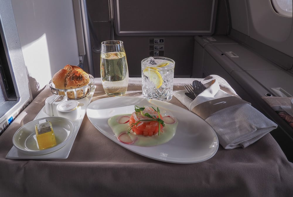 64A new catering BA 747 50 1 - REVIEW - British Airways : Club Suites Business Class - A350 - London (LHR) to Dubai (DXB) and back - [COVID-era]