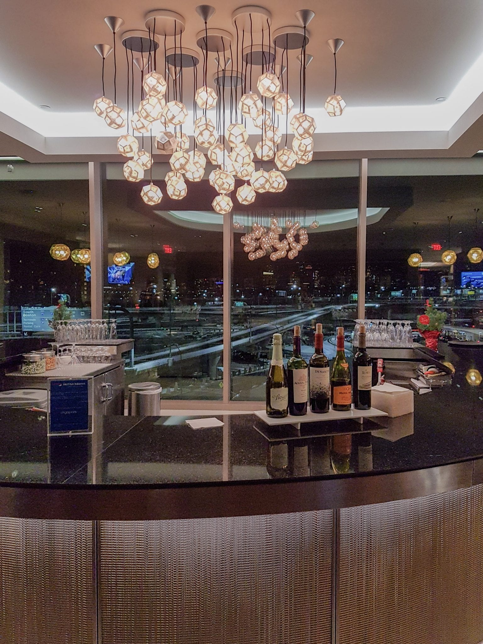BA lounge BOS 10 - REVIEW - The British Airways Boston Lounge - BOS Terminal E