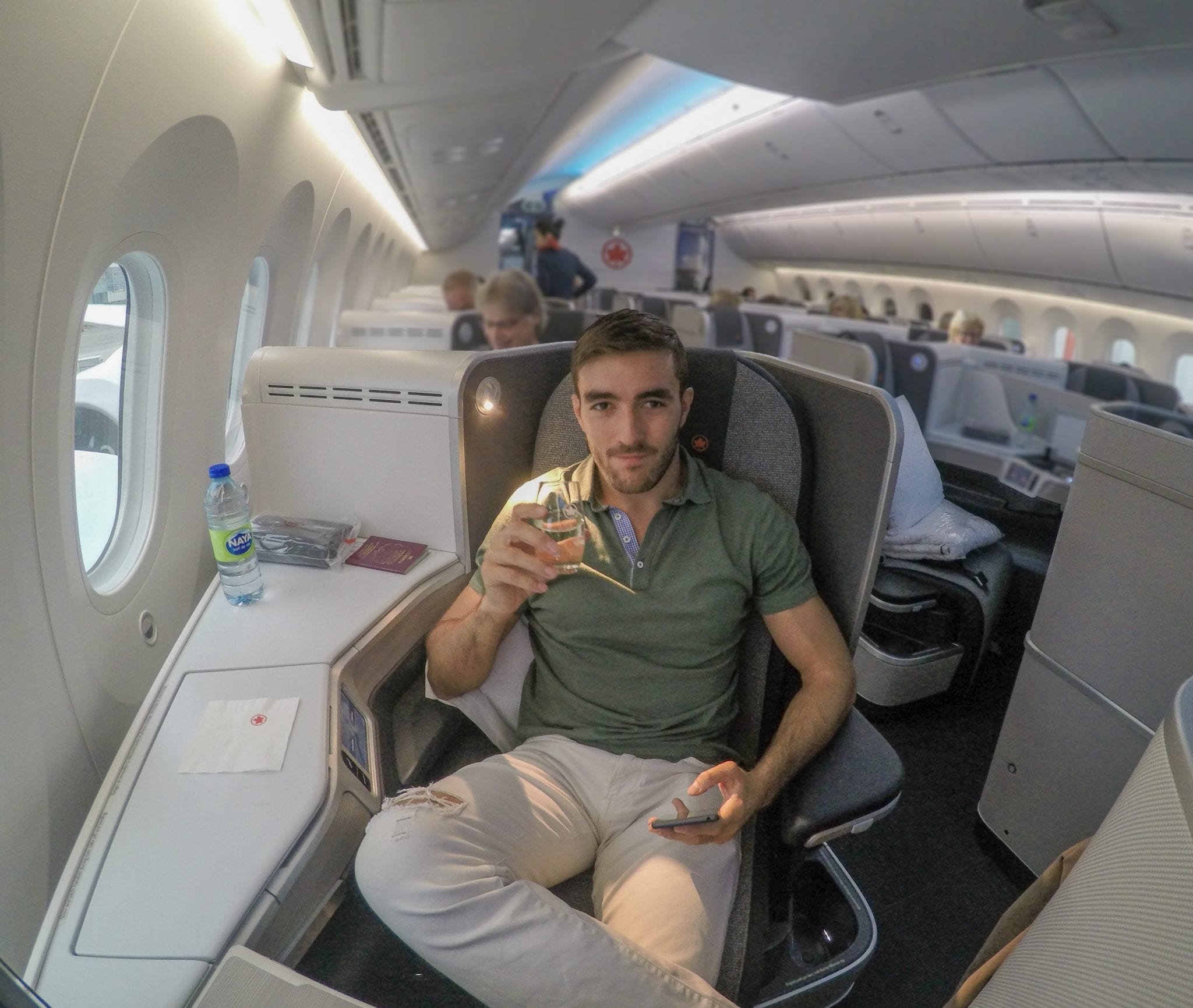 AC dreamliner 10 - REVIEW - Qatar Airways : Q Suites Business Class - B777 - London (LHR) to Doha (DOH)