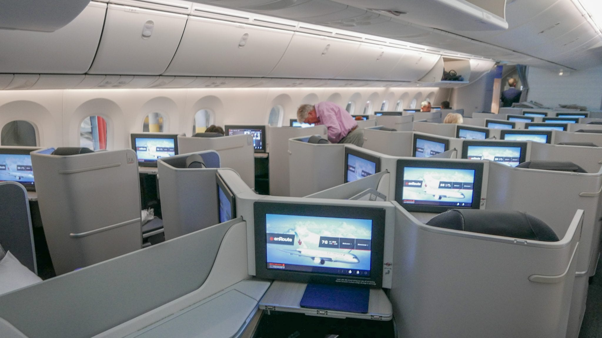 AC dreamliner 3 - REVIEW - Air Canada : Business Class - Vancouver to London LHR (B789)