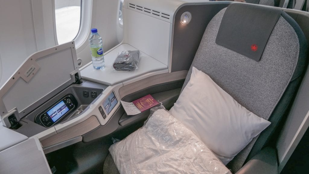 AC dreamliner 8 1024x576 - REVIEW - Air Canada : Business Class - Vancouver to London LHR (B789)