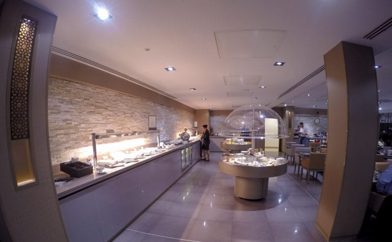 EK lounge 10 768x475 - REVIEW - Emirates Lounge : First and Business Class, London (LHR - Terminal 3)