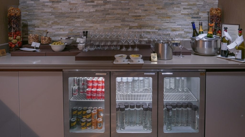 EK lounge 18 1024x576 - REVIEW - Emirates Lounge : First and Business Class, London (LHR - Terminal 3)