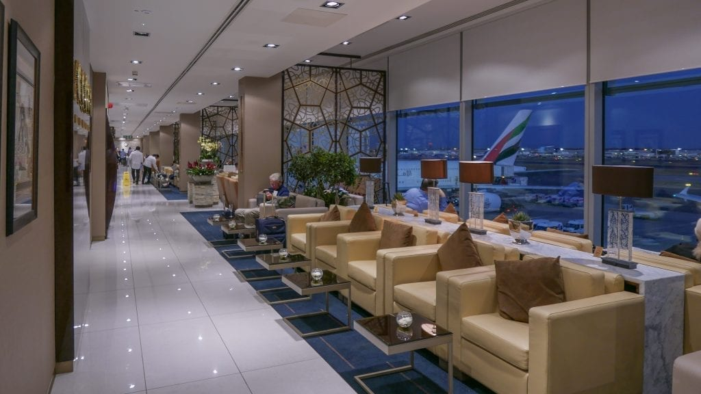 EK lounge 3 1024x576 - REVIEW - Emirates Lounge : First and Business Class, London (LHR - Terminal 3)