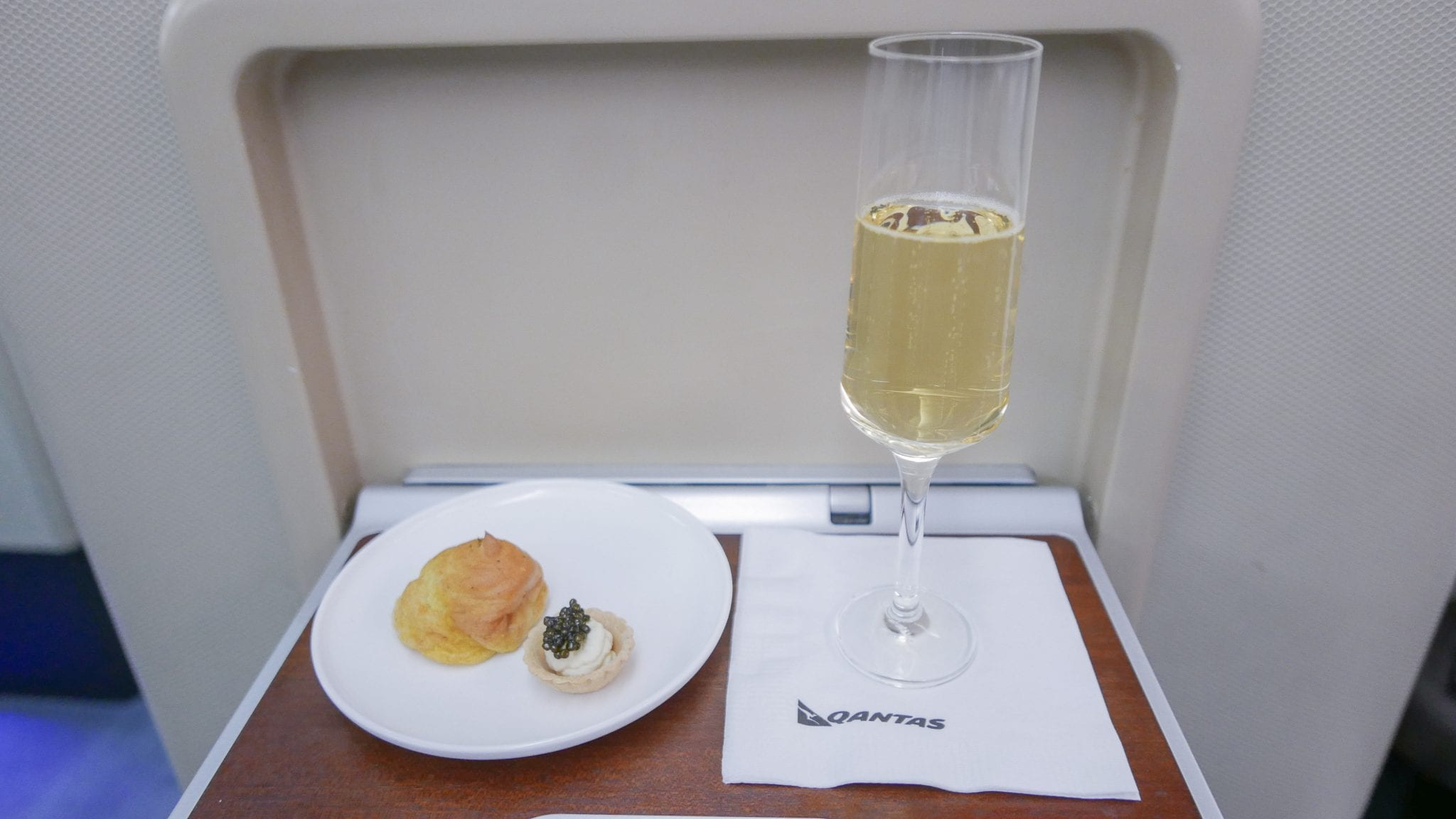 QF F LHR DXB 15 - TRIP REPORT - A luxurious long weekend in Abu Dhabi