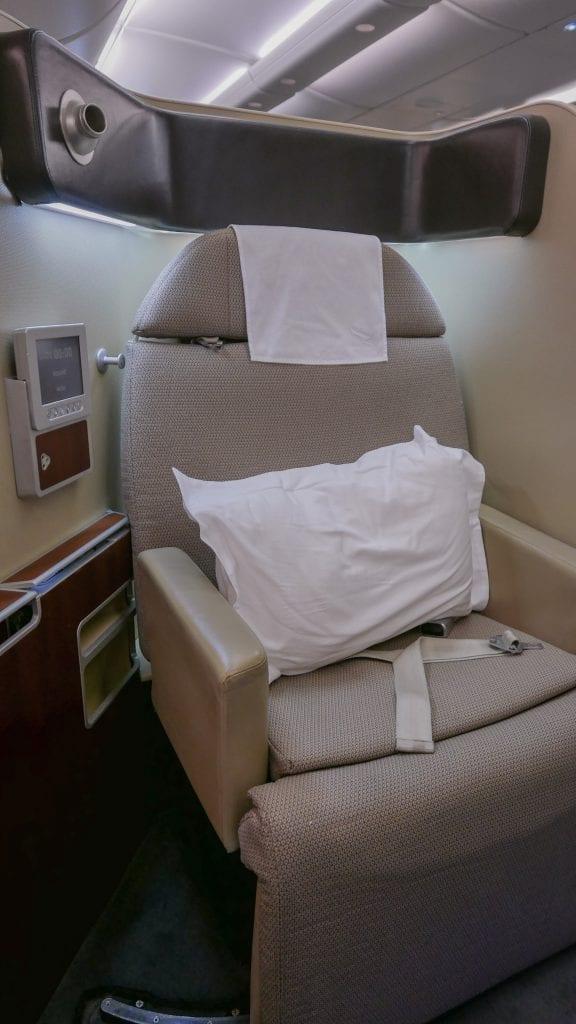 QF F LHR DXB 7 576x1024 - REVIEW - Qantas : First Class - London LHR to Dubai (A380)