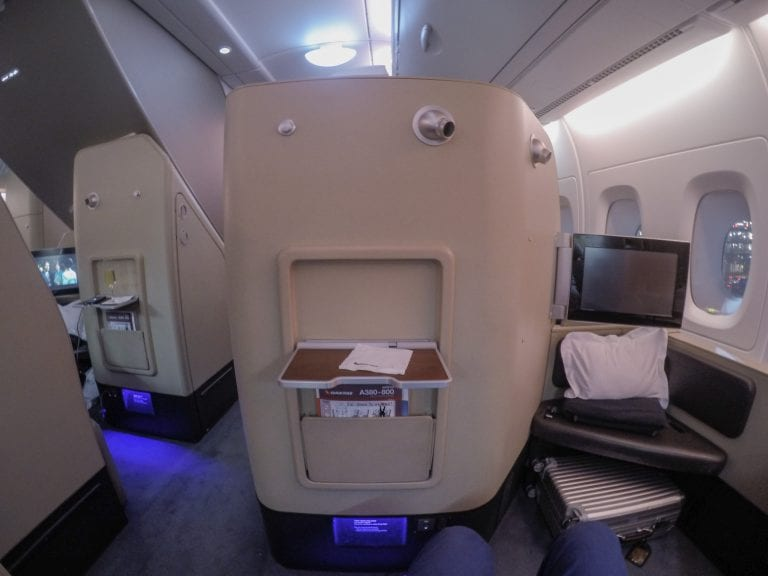 QF F LHR DXB 9 768x576 - REVIEW - Qantas : First Class - London LHR to Dubai (A380)