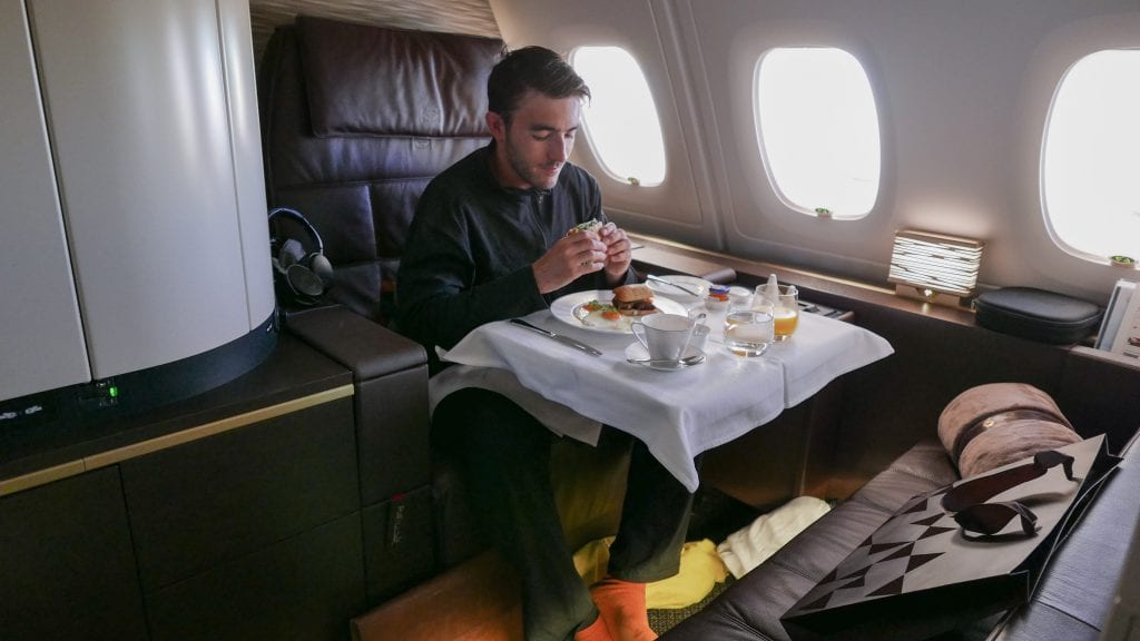 EY APTS 9 1024x576 - SECOND REVIEW - Etihad : First Class Apartments - Abu Dhabi AUH to London LHR (A380)