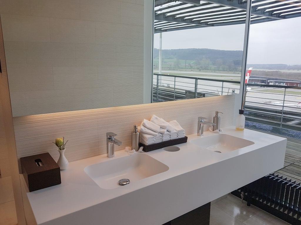 LX F ZRH E gates 31 1024x768 - REVIEW - SWISS First Class Lounge - Zurich (ZRH E-Gates)