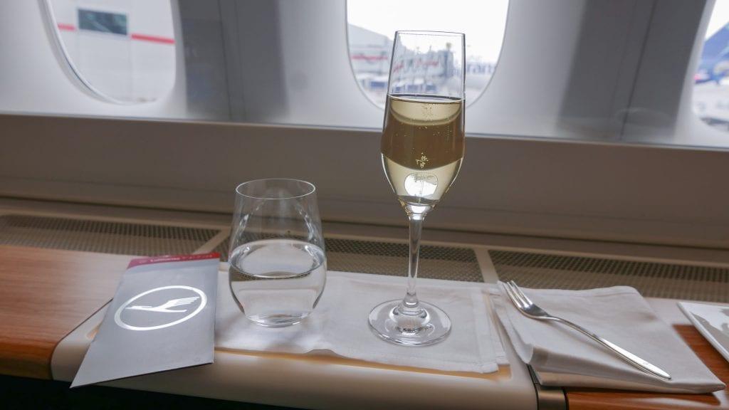 LX F 777 YUL ZRH 11 1024x576 - REVIEW - SWISS : First Class - Montreal YUL to Zurich ZRH (B777)
