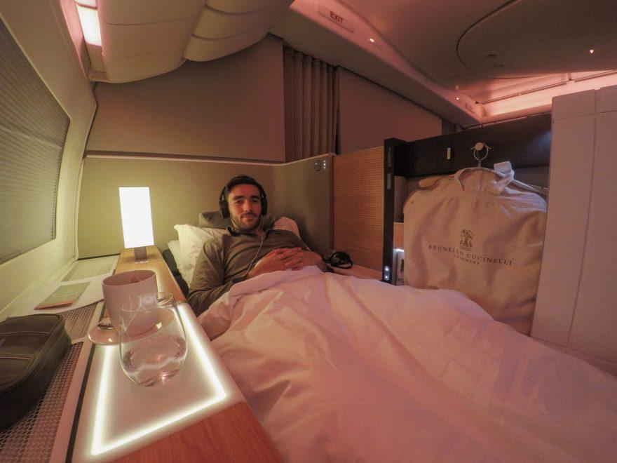 LX F 777 YUL ZRH 43 880x660 - First Class & Business Class flight reviews