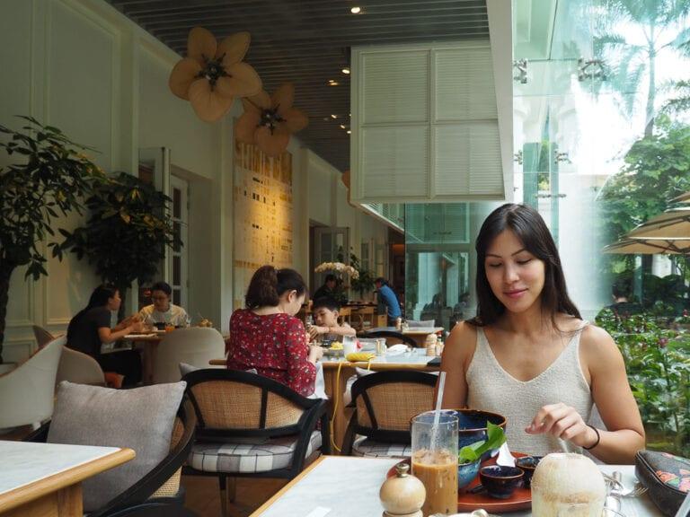 PH Saigon 41 768x576 - REVIEW - Park Hyatt Saigon : Deluxe King (w. Pool Access)