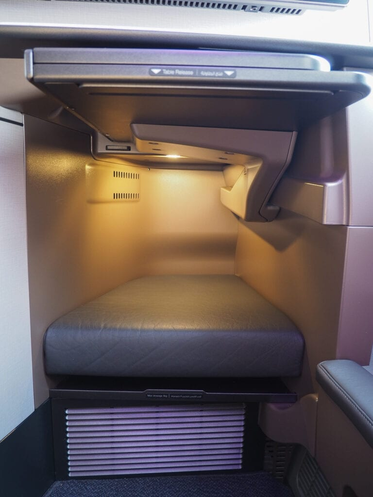 Q suites QR LHR DOH 10 768x1024 - REVIEW - Qatar Airways : Q Suites Business Class - B777 - London (LHR) to Doha (DOH)