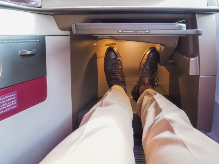 Q suites QR LHR DOH 11 768x576 - REVIEW - Qatar Airways : Q Suites Business Class - B777 - London (LHR) to Doha (DOH)