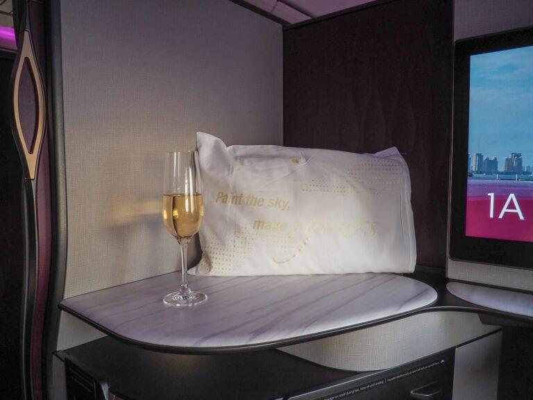 Q suites QR LHR DOH 17 768x576 - REVIEW - Qatar Airways : Q Suites Business Class - B777 - London (LHR) to Doha (DOH)