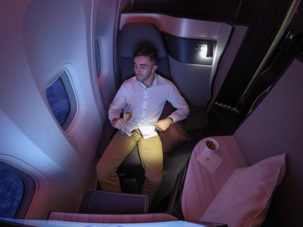 Q suites QR LHR DOH 20 1024x768 - REVIEW - Qatar Airways : Q Suites Business Class - B777 - London (LHR) to Doha (DOH)