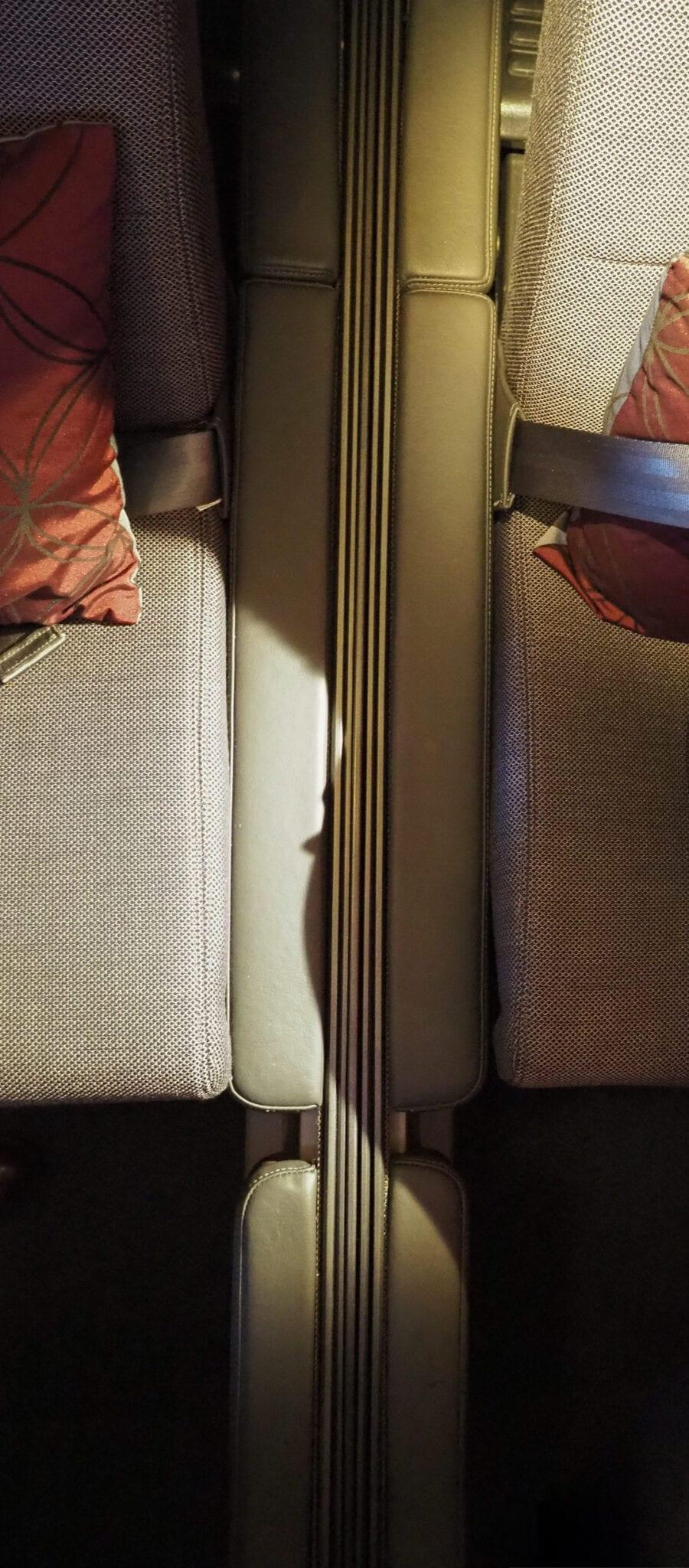 Q suites QR LHR DOH 24 scaled - REVIEW - Qatar Airways : Q Suites Business Class - B777 - London (LHR) to Doha (DOH)