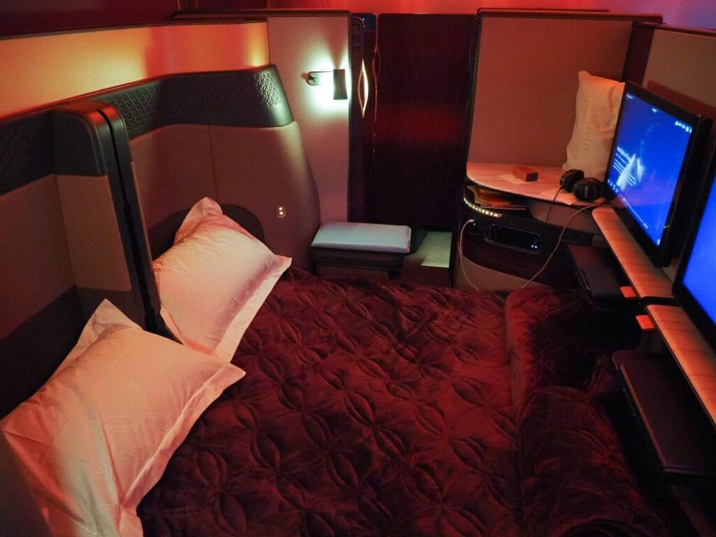 Q suites QR LHR DOH 26 1024x768 - REVIEW - Qatar Airways : Q Suites Business Class - B777 - London (LHR) to Doha (DOH)